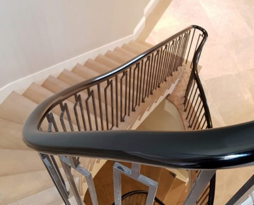 Little Boltons balustrade with Sapele handrails - Handrails & balustrade polished Piano Black