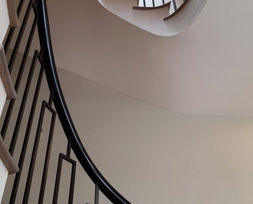 Rising bespoke timber handrails & steel balustrades both finished Piano Black
