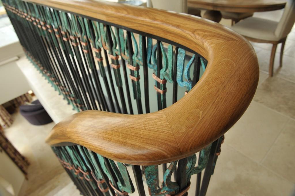 Continuous oak handrail