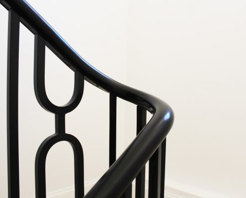 180 Wreathing oval handrail polished finish with steel balustrade