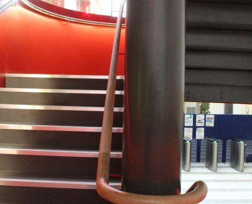 Oak handrail with wall brackets