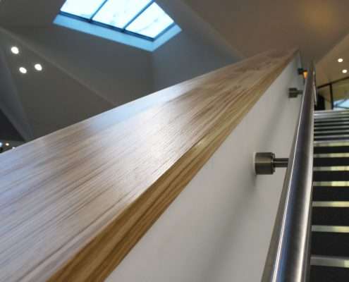 Large Oak leaning rail