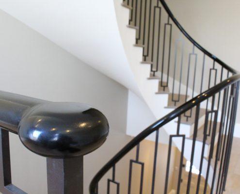 Piano Black bun cap on steel post