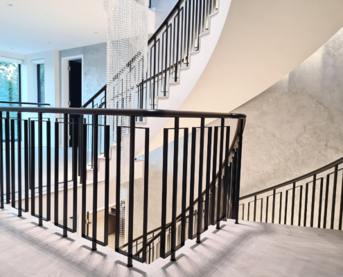 Landing curved handrail & spindles
