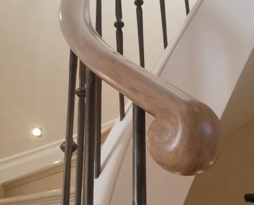 Oak handrail scroll & steel brass finished spindles