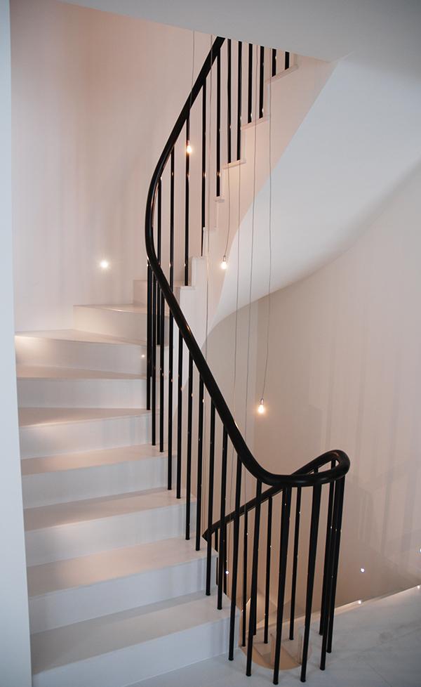 Melina black handrail web
